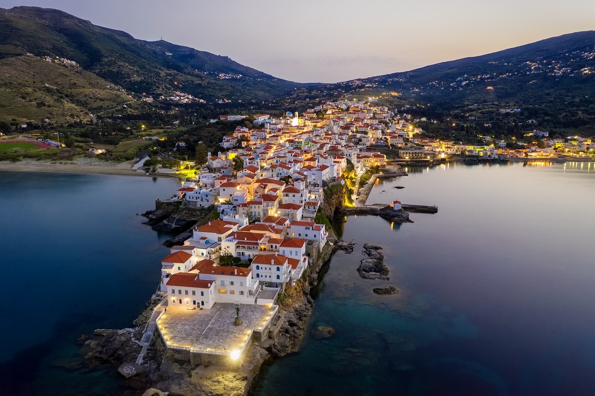 andros-by-night